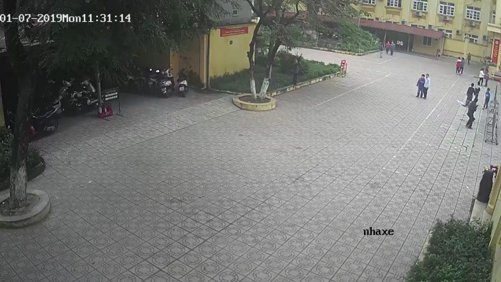 Camera giam sát khu để xe tại trường học
