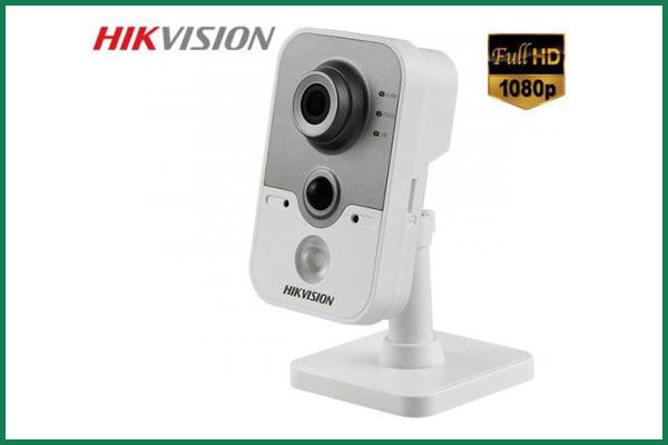 lap-dat-camera-chong-trom-Hikvision DS-2CE38D8T-PIR